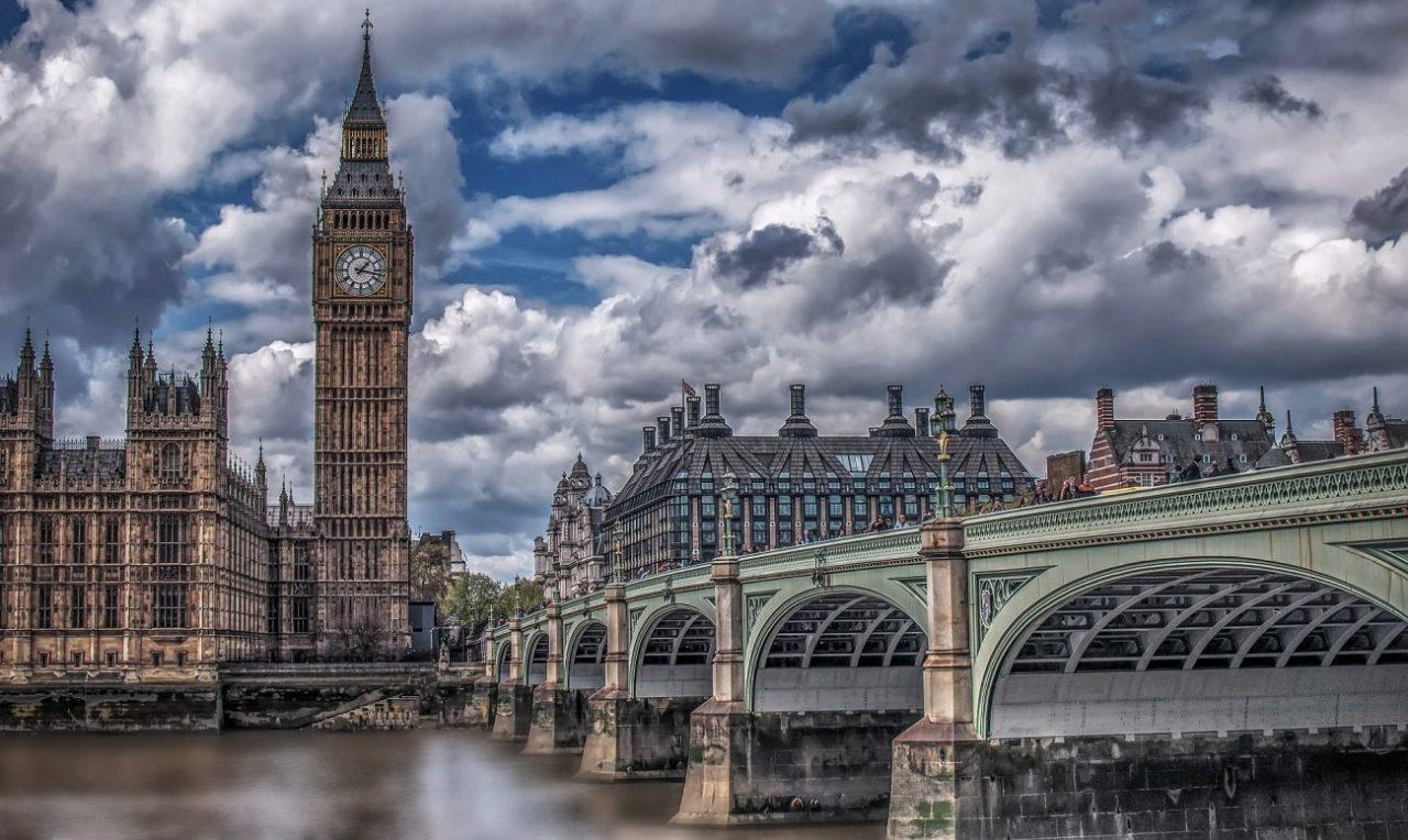 Femeile din Marea Britanie sunt tot mai atrase de cryptocurrency